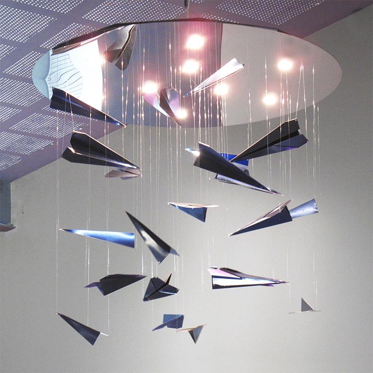Airplane Shambles, lampada da soffitto
